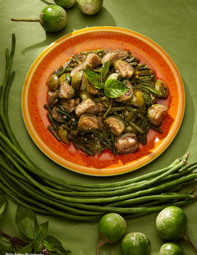 STIR FRY OF THAI EGGPLANT WITH LONG BEANS IN CHILI SAUCE